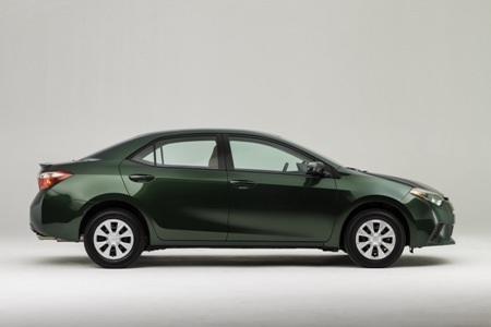 Việc sử dụng thép trọng lượng nhẹ giúp xe Corolla 2014 chỉ nặng khoảng 1.315kg
